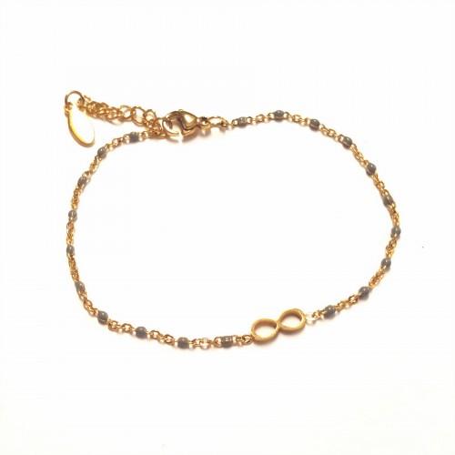 Bracelet infini sur chaîne fine