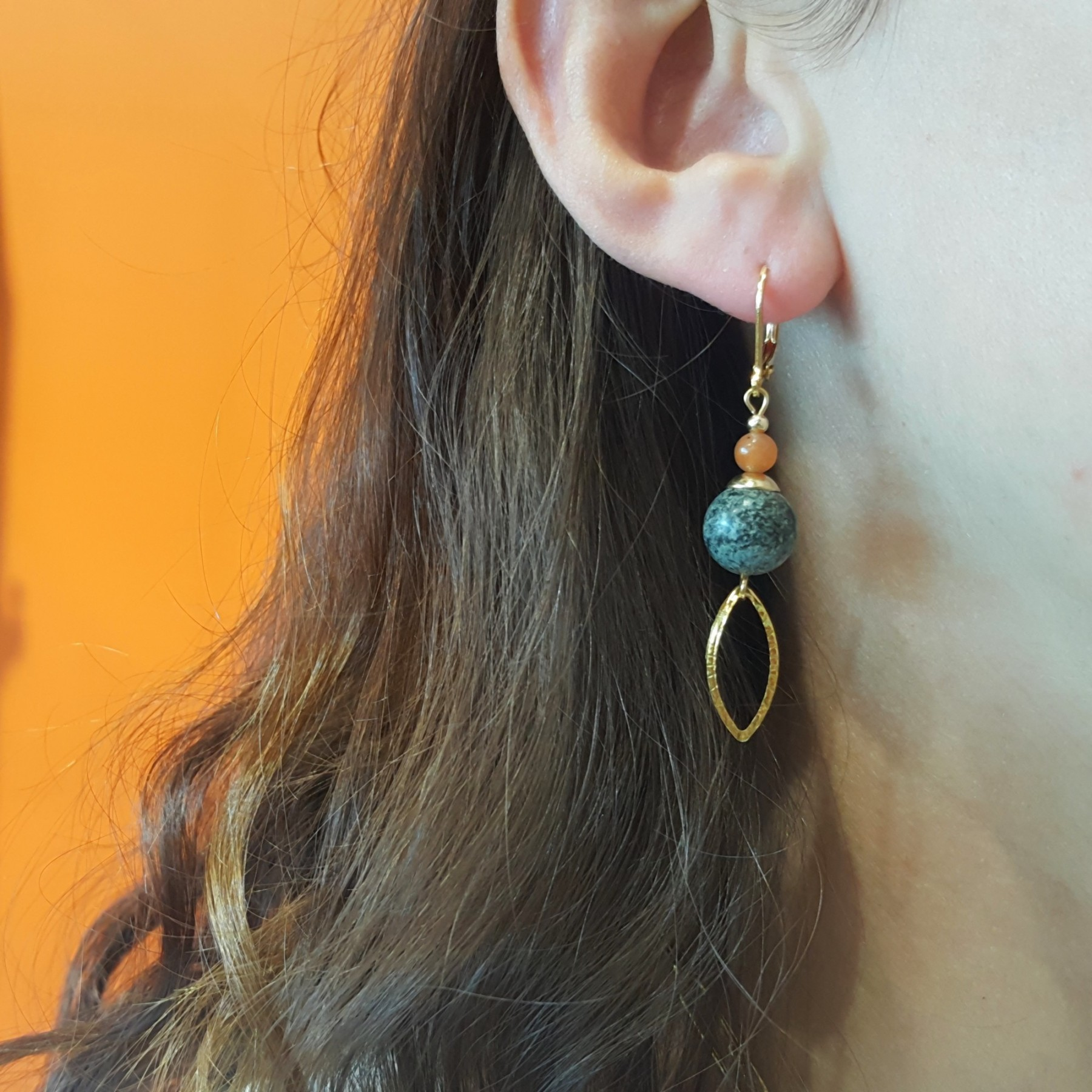 Boucles longues turquoise africaine